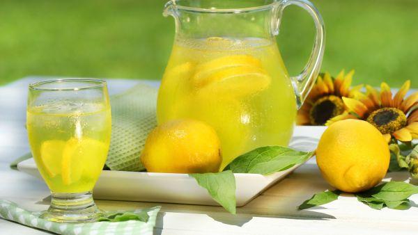 Натощак вода с лимоном