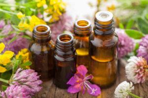 Для массажа можно использовать аромамасла