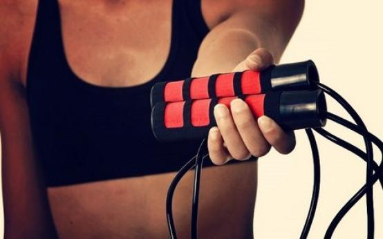 Прыжки на скакалке для похудения: таблица с программой и отзывы