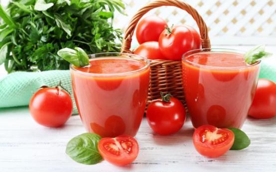 Польза и вред свежевыжатого и восстановленного томатного сока