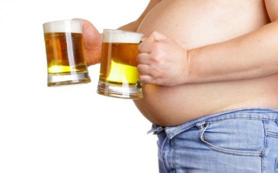 Убираем пивной живот у мужчин и женщин: комплекс упражнений и диета
