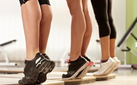 Как накачать икры ног девушке и мужчине в домашних условиях