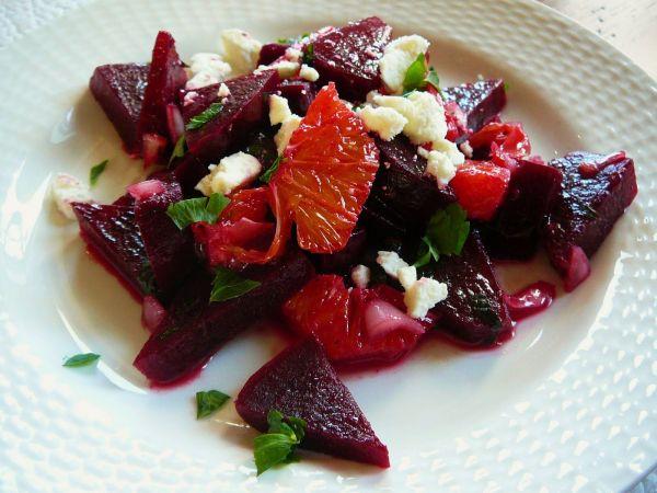 Сырые овощи со свёклой