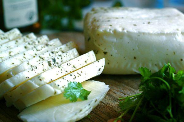 Зелень с сыром