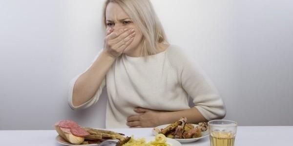 Болезнь когда тошнит от еды