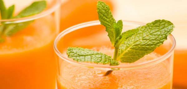morkovnyiy sok so slivkami