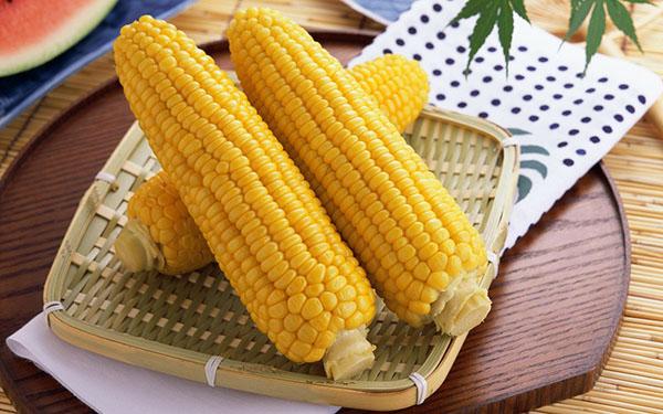 кукуруза отварная
